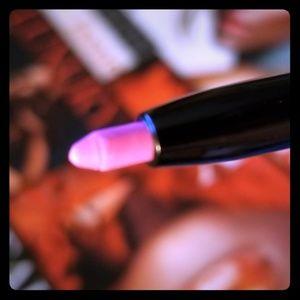 Retractable lip liner